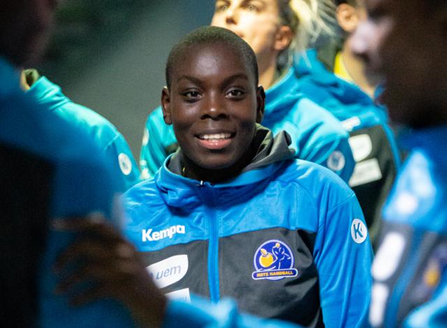 Melvine Deba : «Je pense que l'on aurait beaucoup à gagner à ne plus être traitées comme des joueurs au féminin»